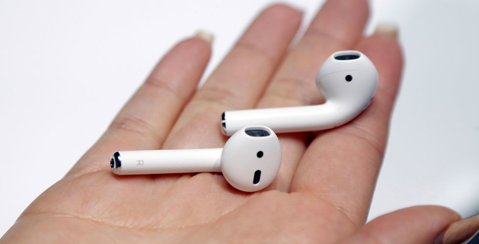 Apple kommer introducera nya Airpods och större hörlurar