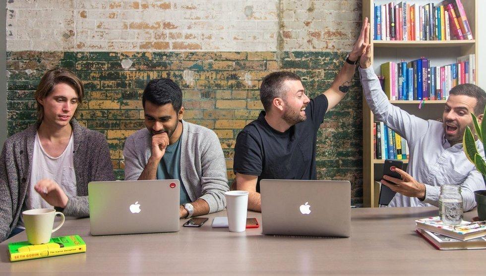 Spotify-avhoppare får in miljoner från Bendz och Facebook-guru