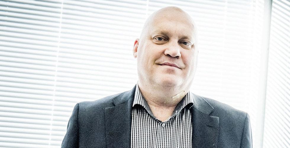 Efter över ett dygn i häktet – nu släpps Johan Carlström på fri fot