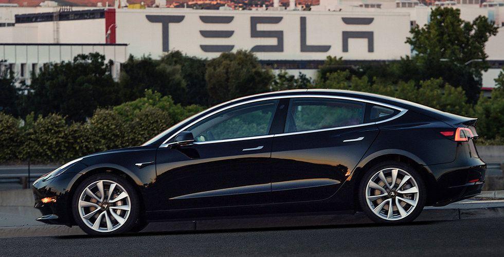 Tesla slår tillbaka – inga problem med produktionen