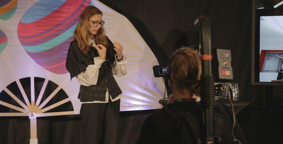 Breakit - Hon ställer dödsviktiga frågor om robotar - som ingen vågar ställa