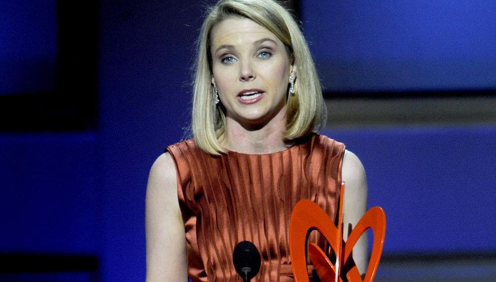 Säljer ut delar av Yahoo - ska dra in 25 miljarder till krisbolaget