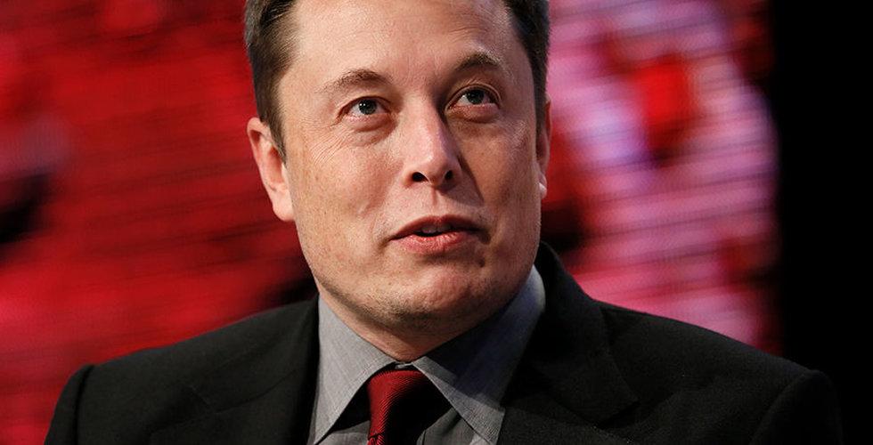 """Tesla ska pumpa ut fler Model 3 – men chefen behöver """"ladda om"""""""