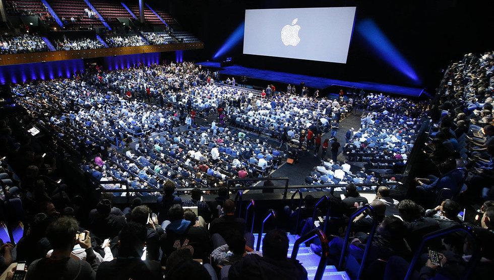 Breakit - Apple utmanar Facebook i det heta meddelande-segmentet