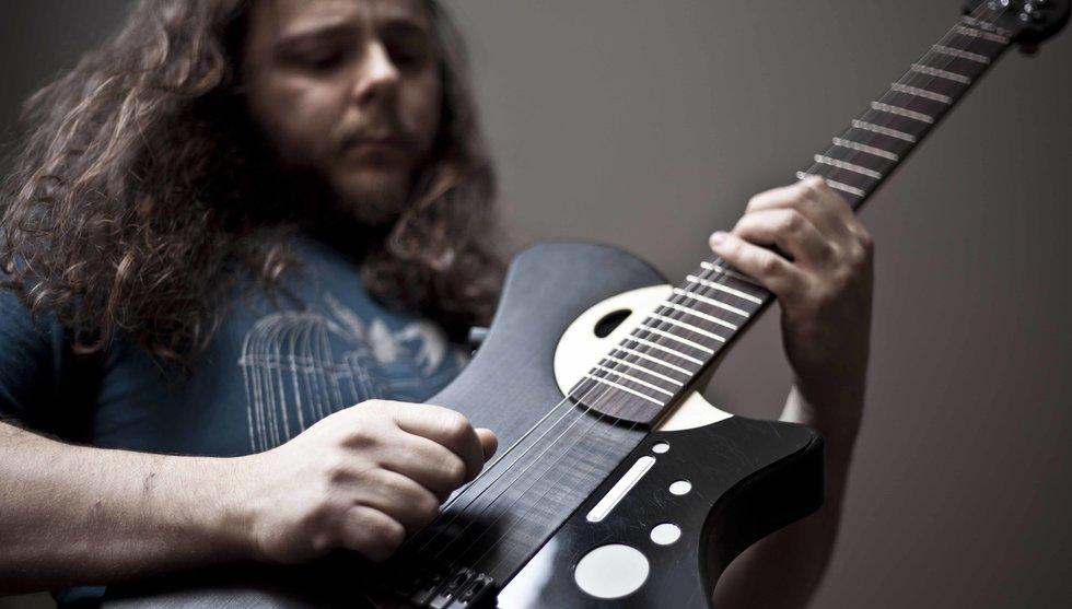 Breakit - Mind Music Labs smarta gitarr tar in nya miljoner från affärsänglar