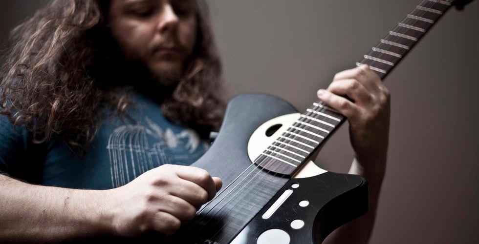 Mind Music Labs smarta gitarr tar in nya miljoner från affärsänglar