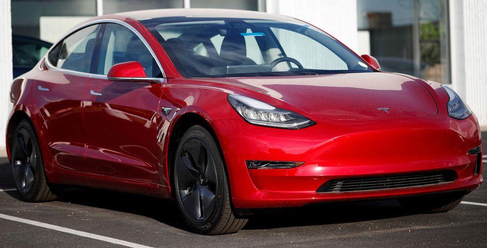 Tesla tar bort avgift för att reservera en Model 3