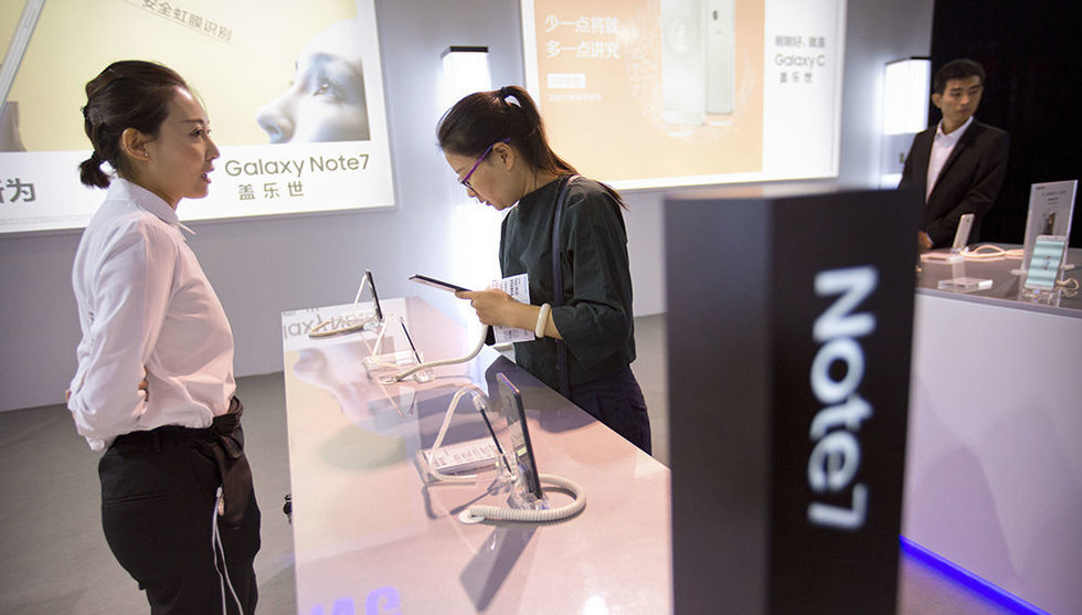 Ny Samsung-telefon började brinna - flyg tvingades evakuera
