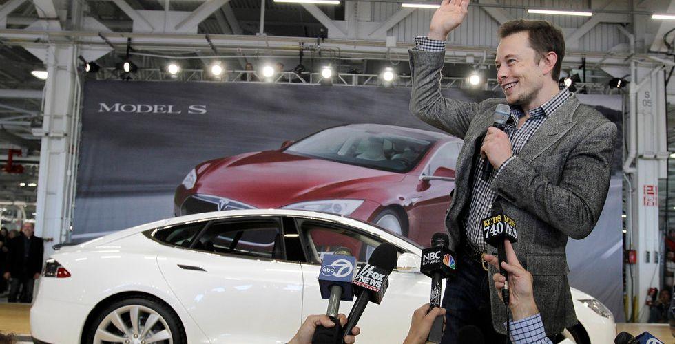 Elon Musk tar ett steg närmare sin åtta kilometer långa hyperloop