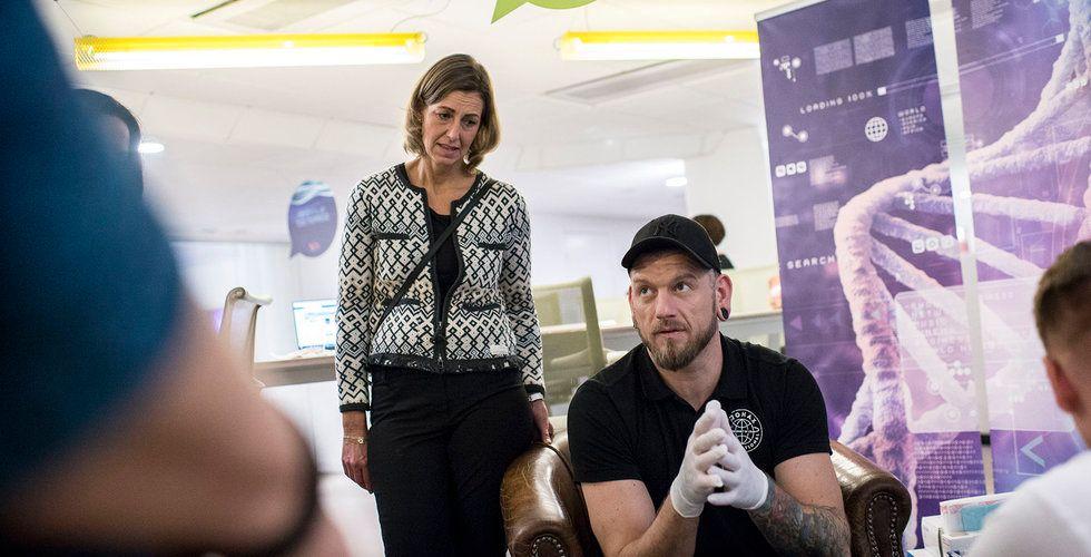 Breakit - Ger anställda chip i armen – är det här Sveriges mest dystopiska bolag?