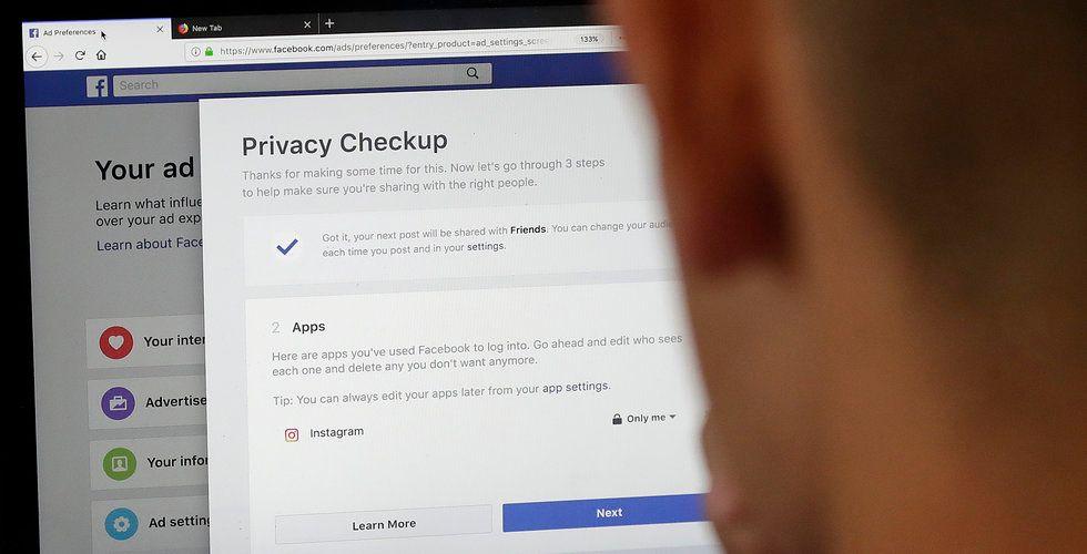 Facebook medger – scannar användarnas privata meddelanden