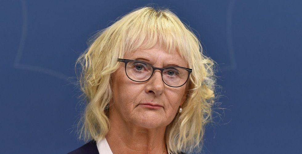 Lena Micko ny civilminister – men Shekarabi behåller spelfrågor