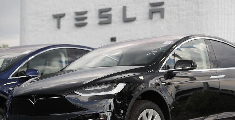 Techaktierna återhämtar sig – Twitter och Tesla rusar på börsen