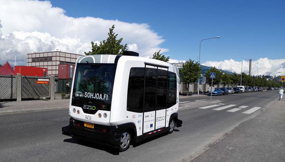 Breakit - Just nu på vägarna i Finland: Robotbussar med passagerare i