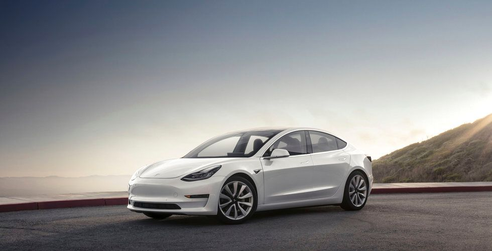 Bekymmer med monteringen – nu stoppar Tesla produktionen