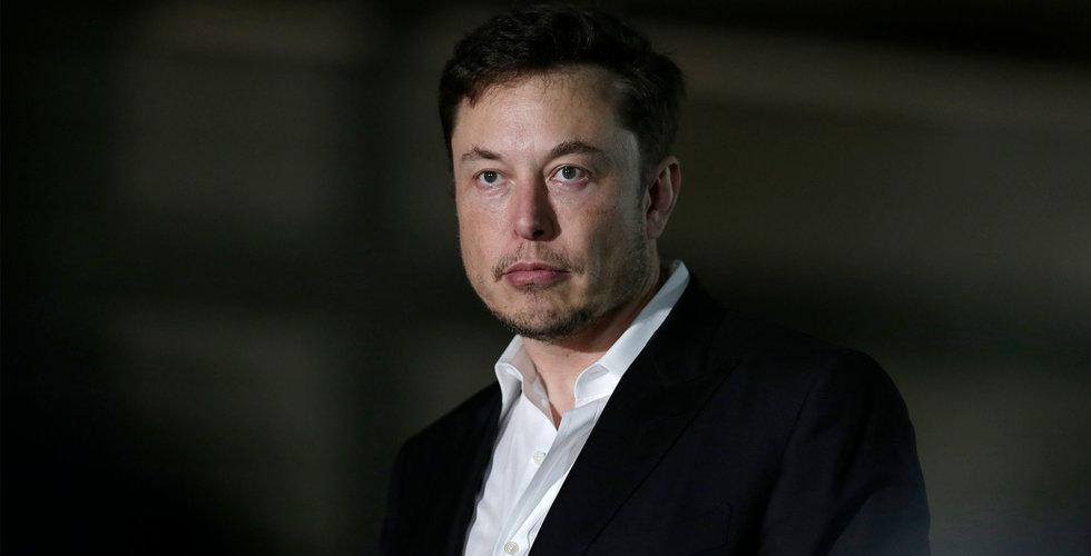 Blankaren Andrew Left stämmer Tesla och Elon Musk