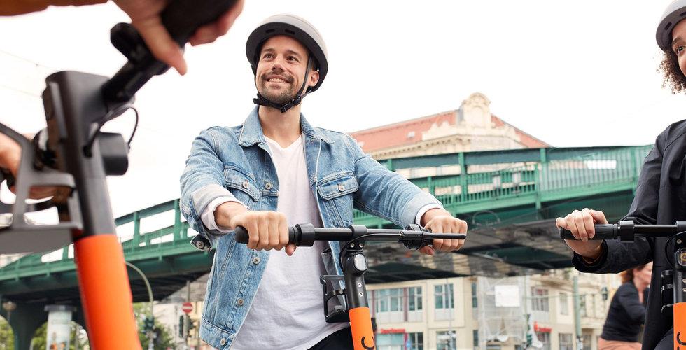 S drag i kriget om sparkcyklarna – beslagta de som står fel