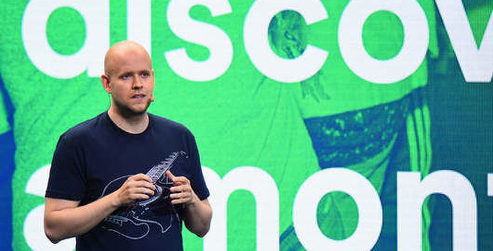 Efter stjärnornas krav – nu begränsar Spotify sin musiktjänst