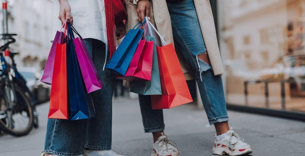 Klädförsäljningen fortsätter rasa – för åttonde månaden i rad