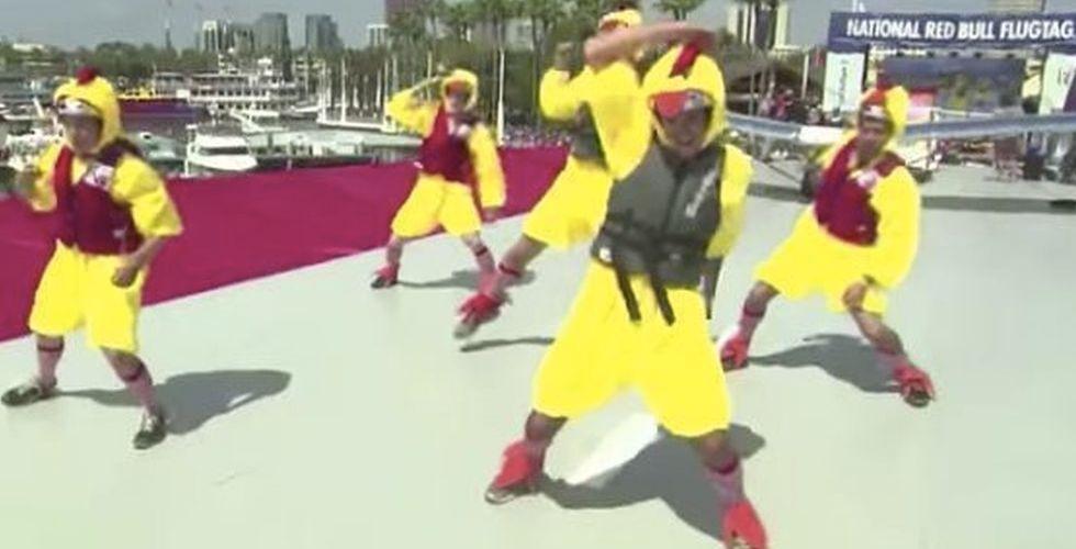 Breakit - Här dansar Larry Pages hemliga ingenjörer loss i kycklingdräkter