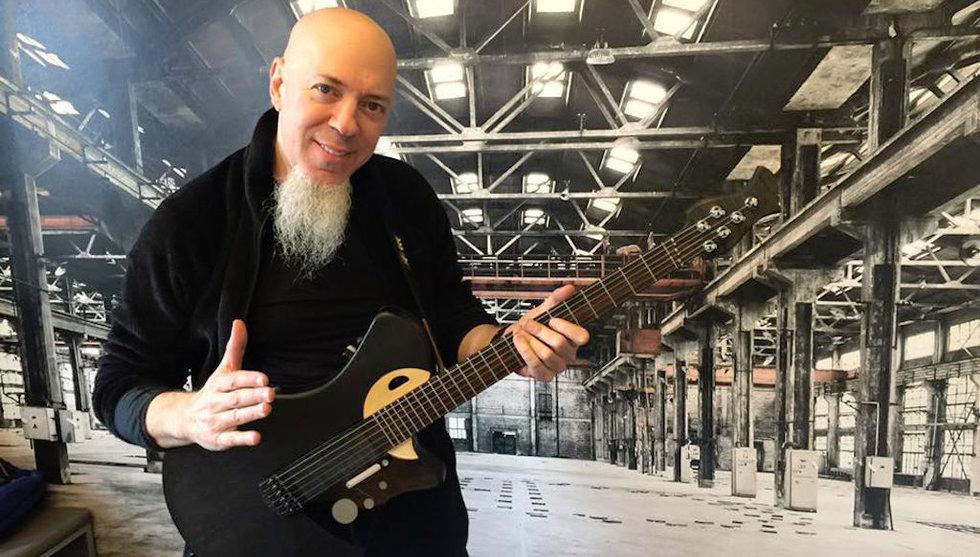 Breakit - Känd amerikansk musiker investerar i svensk smart gitarr