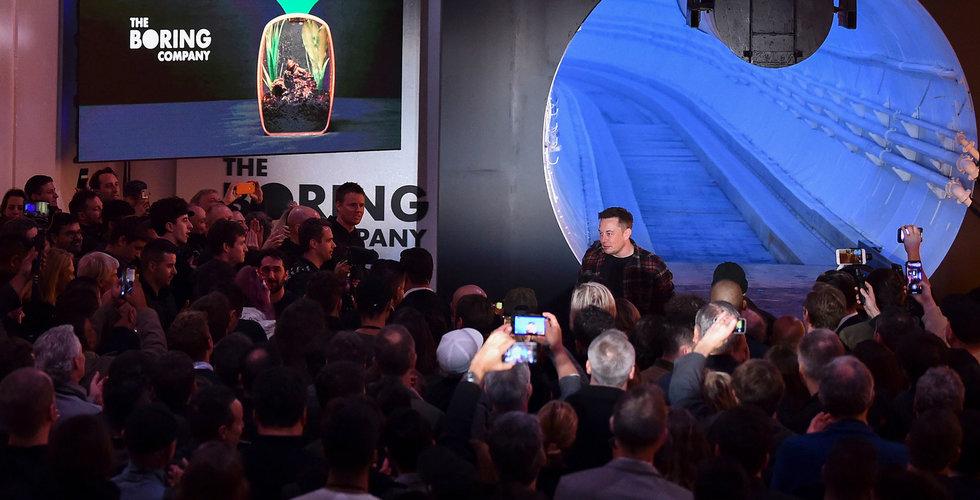 Musks Boring Company visar upp sin första tunnel