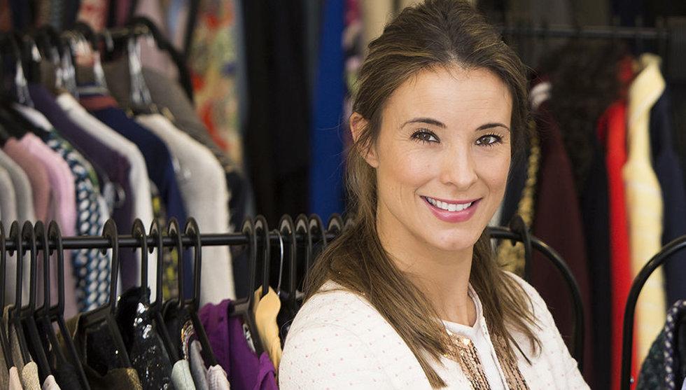 Hon hjälper svenska kändisar att tömma sina garderober på nätet