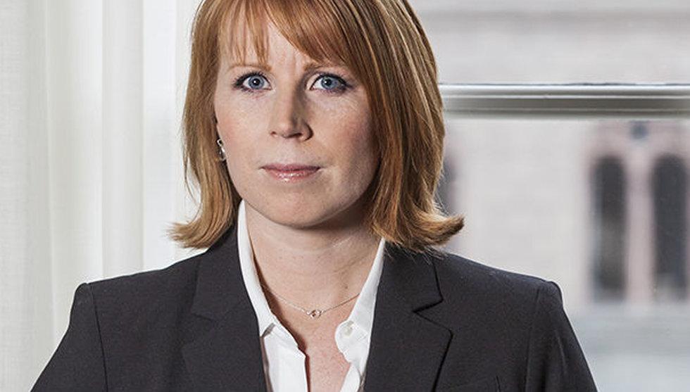 Annie Lööf utmanar Damberg - begär riksdagsdebatt om optioner