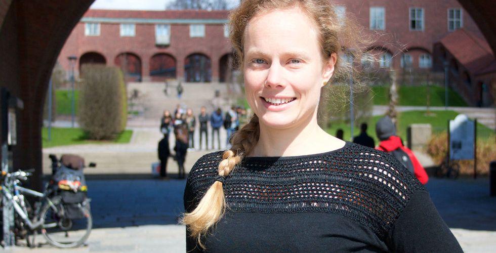 Anna Abelin satsar allt på Loredge - tar diskjobb för att ha råd