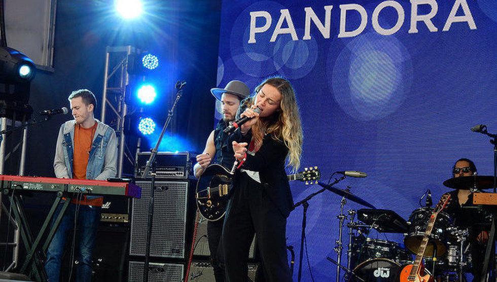Breakit - Nytt hot mot Spotify - Pandora utmanar med köp av Rdio