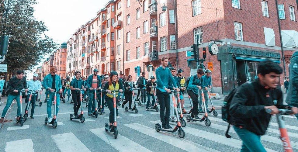 Elsparkcyklarna tar över gatorna – så tycker stockholmarna om fenomenet