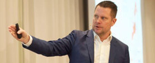 Lars Wingefors shoppar loss
