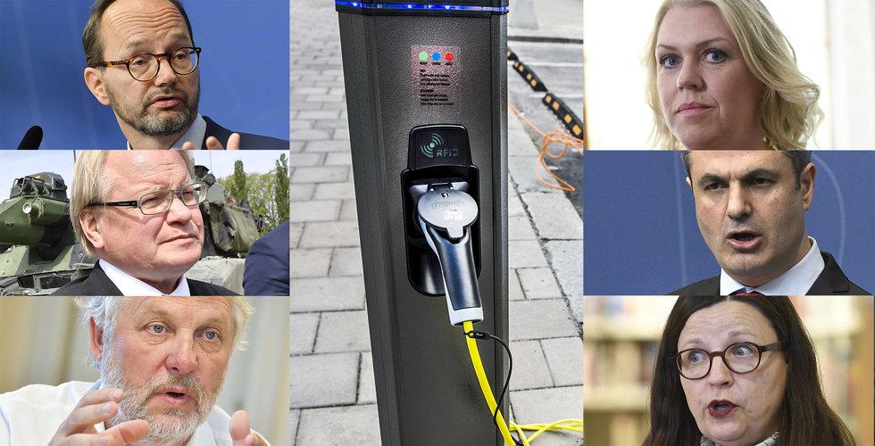 Sex ministrar åker till Upplands Väsby – för att inviga laddstolpar
