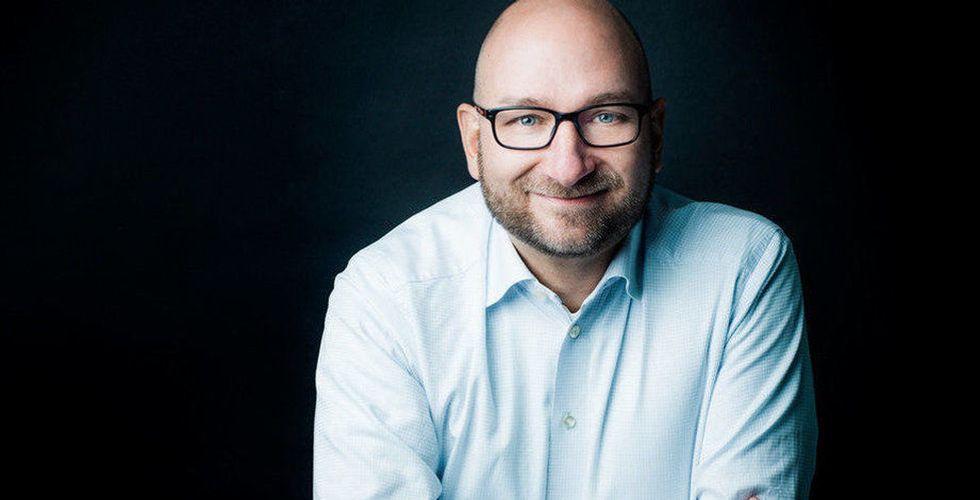 Paradox-chef säljer – och slutar