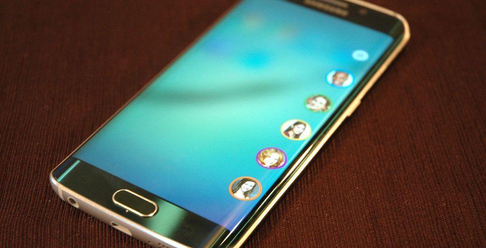 Samsungs nya flaggskeppsmobil Galaxy S6 Edge säljer mycket bättre än väntat