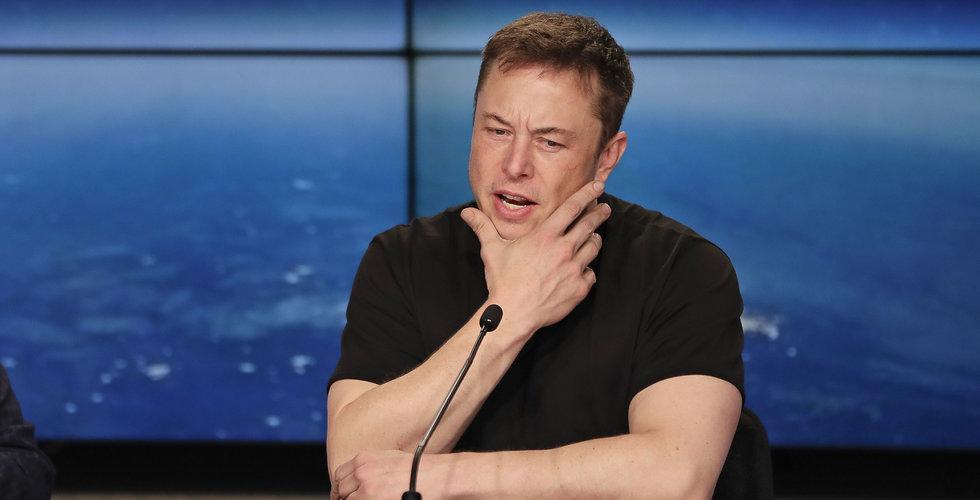 Tesla-aktien handelsstoppades efter Elon Musks tweet – överväger att köpa ut bolaget