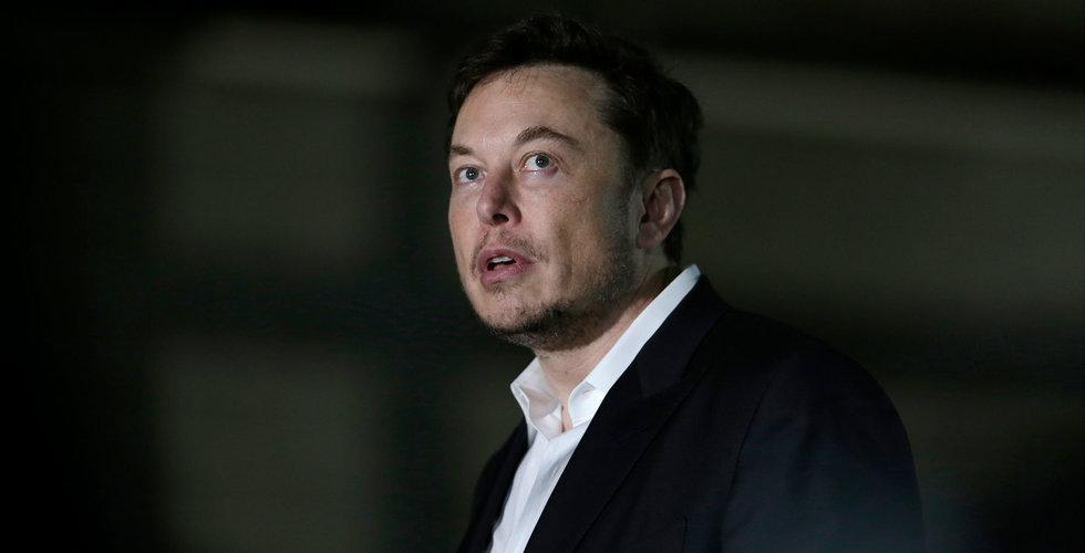 Tesla sänker löner medan det råder produktionsstopp