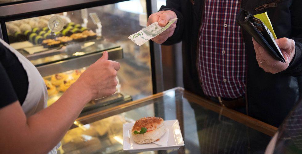 Fler svenskar vill använda kontanter även i framtiden
