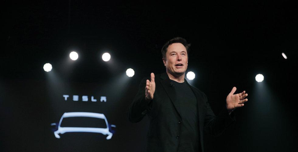 Tesla får delvis skulden för krasch i Kalifornien