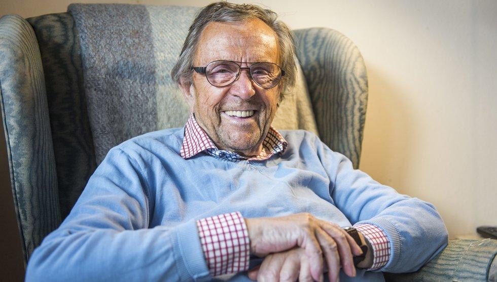 Arne Weise gör comeback som julvärd - hos seniorsajten News55