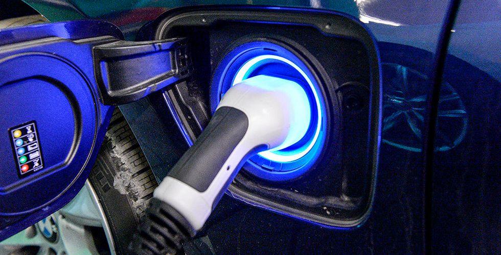 Tyska biljättar bygger eget laddnätverk för elbilar i Europa