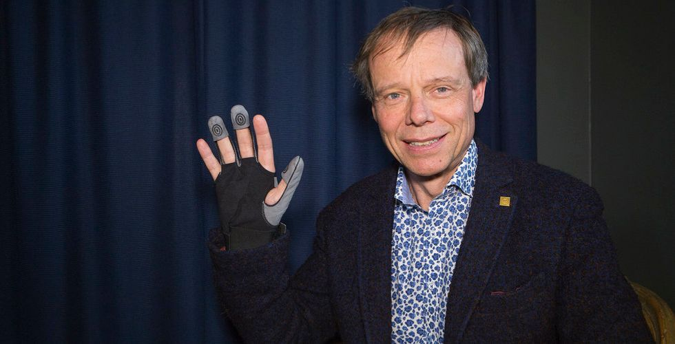 Christer Fuglesang investerar i Bioservos robothandske inför notering