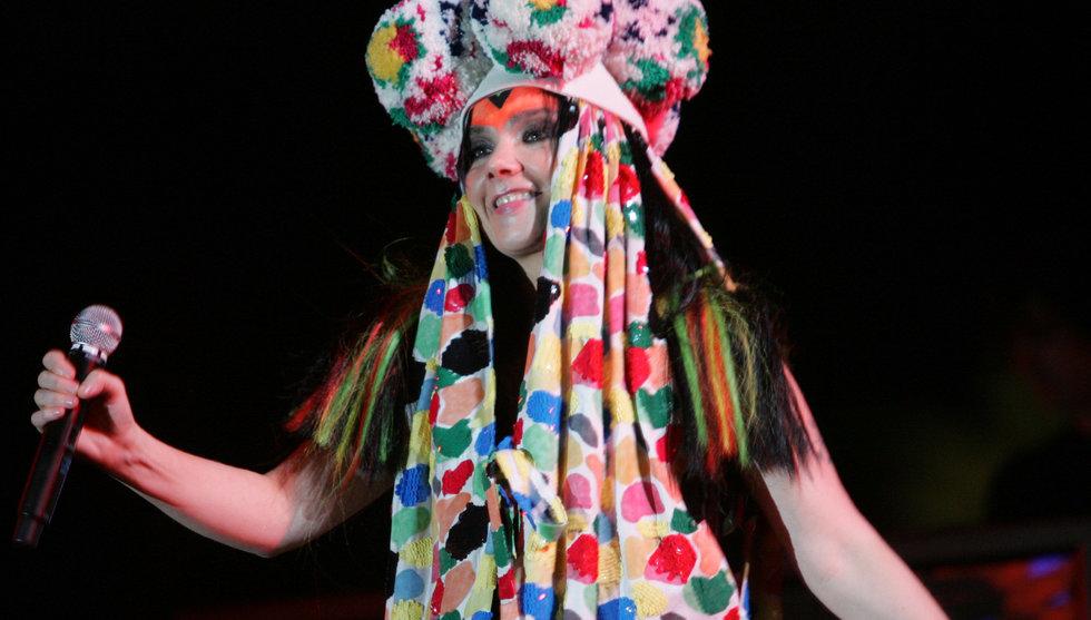 Björk gör musikvideo för Oculus