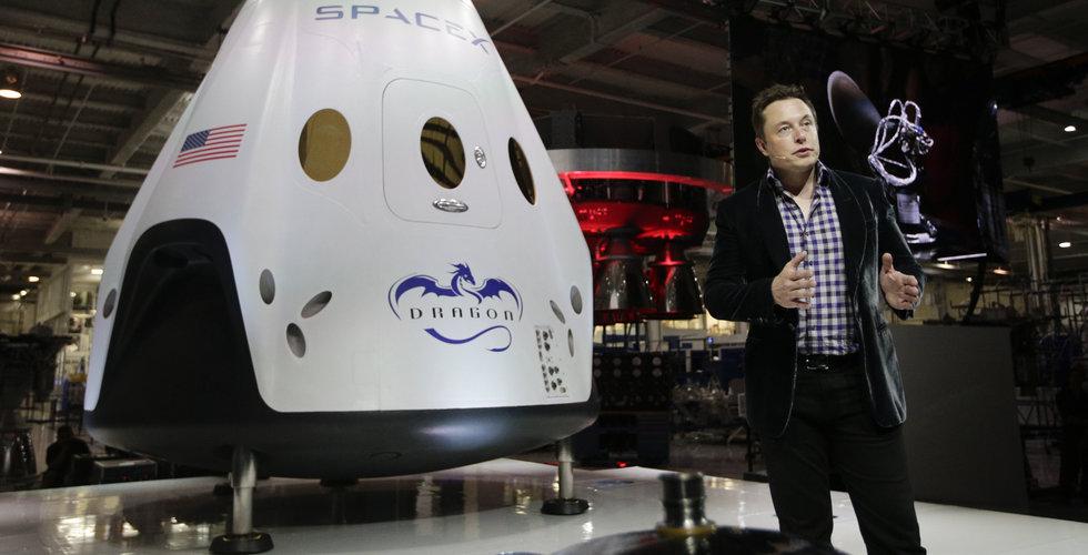Breakit - Elon Musk ska skicka rymdturister runt månen – redan nästa år