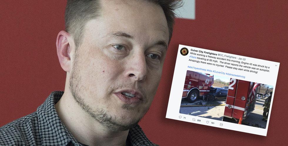 Breakit - Tesla-bil kraschade in i brandbil – med självkörandefunktionen på