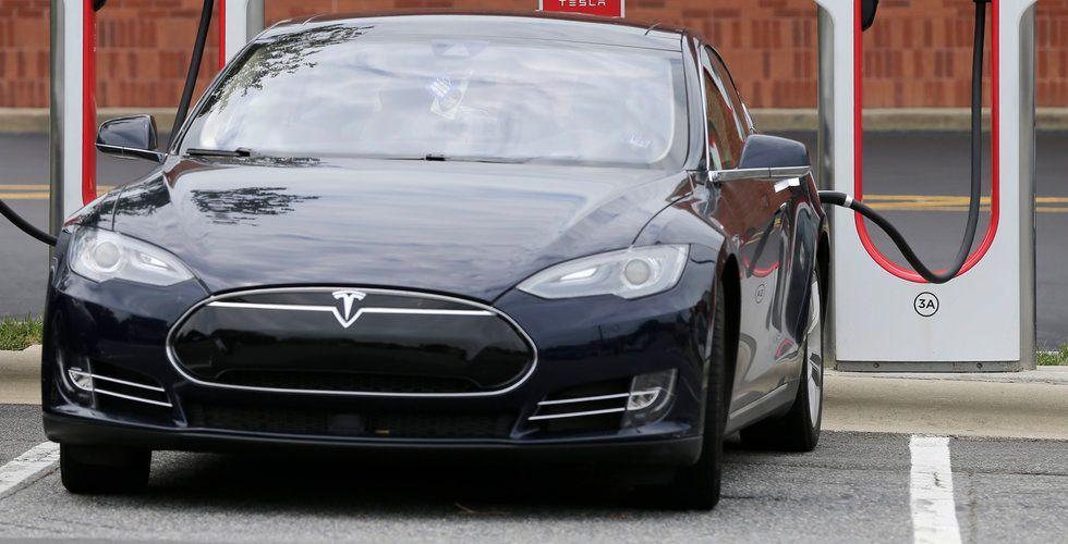 Teslas produktion tillfälligt nere i tisdags efter en brand